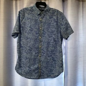 Button up short sleeve shirt